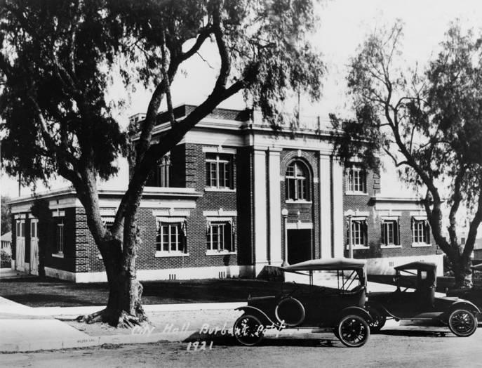 1916 - The first City Hall opens with Police and Fire also located in the building Image