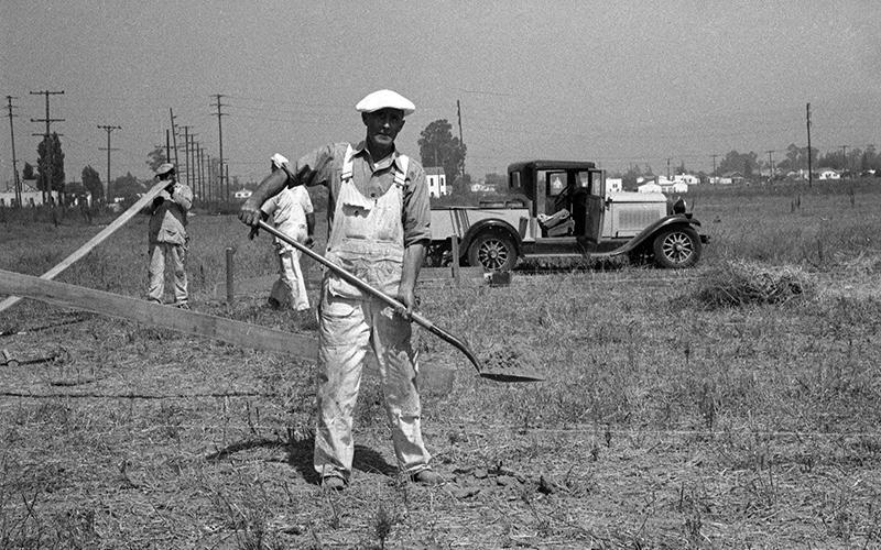 1938 - Walt Disney Studios breaks ground in Burbank Image